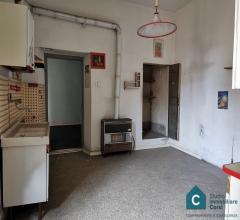 Case - Appartamento su 2 livelli con resede+fondo