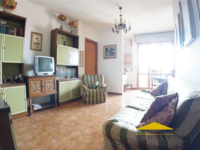Case - Appartamento con vista mare in vendita a massa