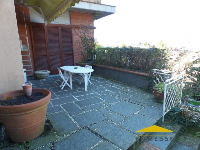Case - Villa singola con giardino in vendita a carrara