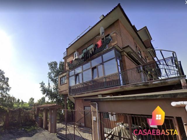 Case - Abitazione di tipo popolare - via vallo della lucania 42 - 00132