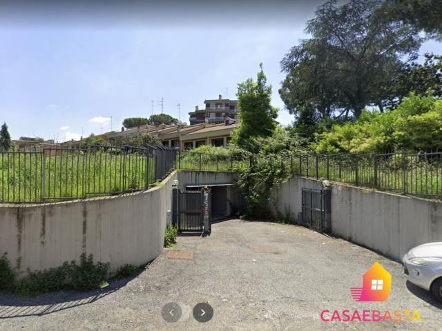 Case - Posto auto - via degli obizzi 27/29 - 00164
