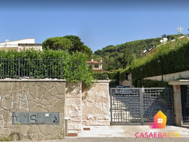 Case - Villetta - via tuscolana, 313