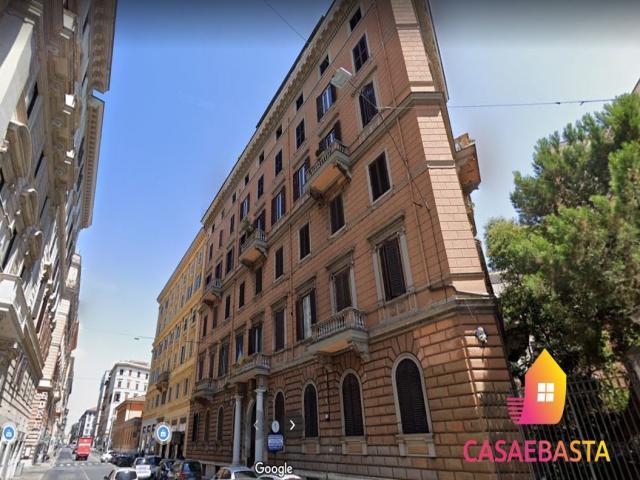 Case - Via quattro fontane, 15