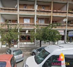 Locale commerciale - via benedetto croce n. 61/63 n.65/67 e n. 67/69