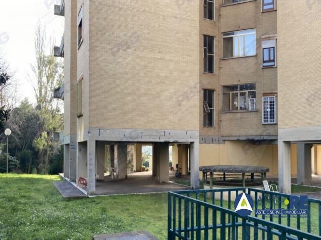 Case - Appartamento - via dei sampieri 31 - 00148