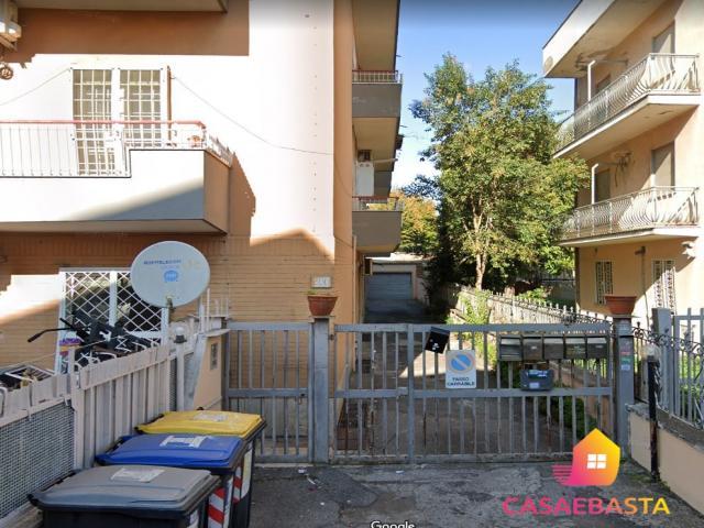 Case - Abitazione di tipo civile - via villabate 200-202 - 00133