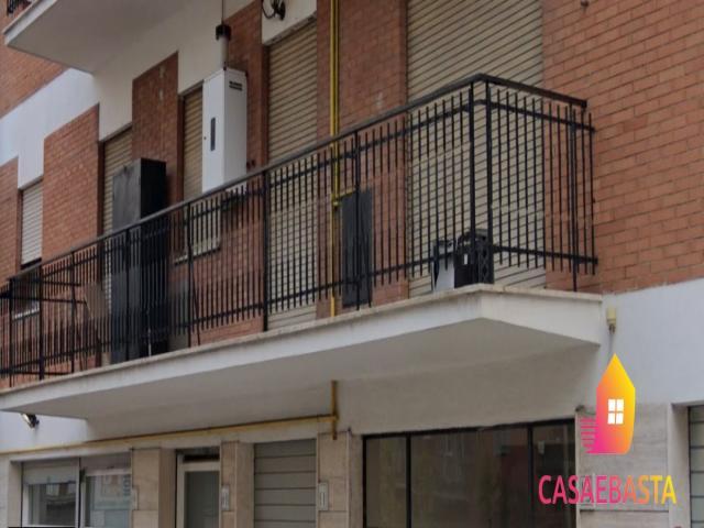 Case - Abitazione di tipo civile - via delle pernici 13 - 00169