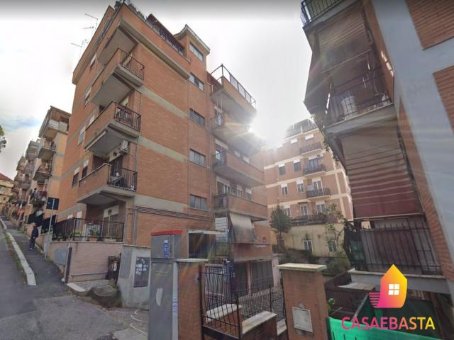 Case - Appartamento - via lamporecchio n. 19 - 00100
