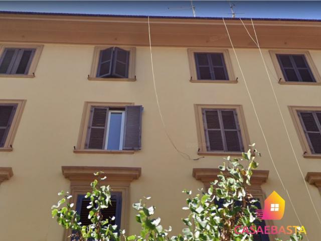 Case - Abitazione di tipo popolare - via giuseppe la farina n. 48 - 00179