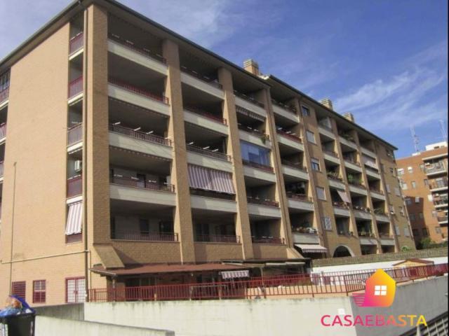 Case - Immobile residenziale abitazione di tipo civile - via raffaello morghen n. 13