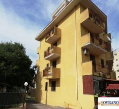 Case - Carini: appartamento 1° piano con posto auto assegnato