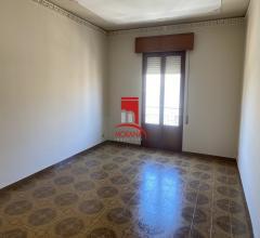 Case - Appartamento  3 vani più accessori, via santa genoveffa n.9
