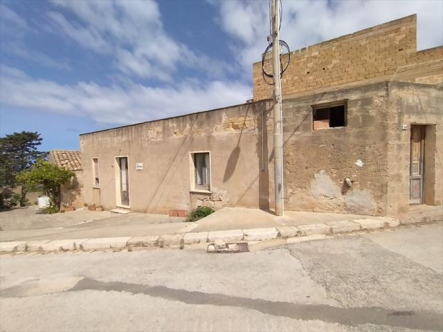 Appartamenti in Vendita - Casa indipendente in vendita a custonaci contrada scurati