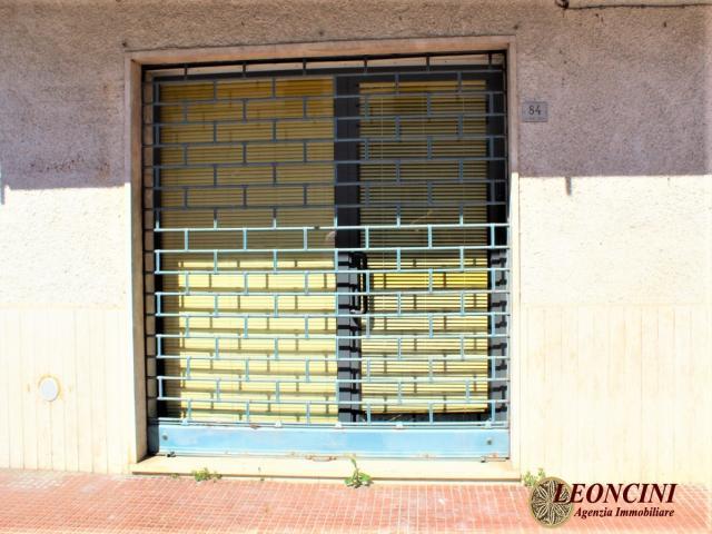 Case - L810 fondo commerciale nel centro di villafranca