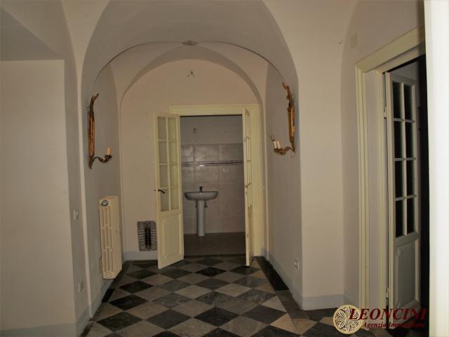 Case - L954 appartamento di prestigio nel cuore di pontremoli