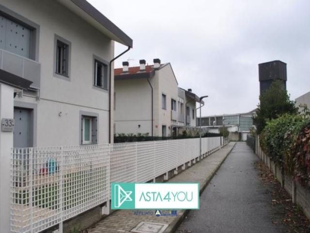 Case - Appartamento all'asta in via stradivari 33, giussano (mi)