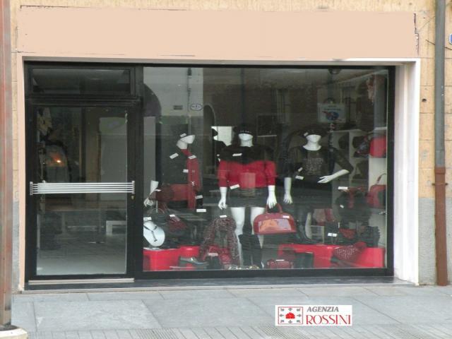 Case - Affittasi negozio mq. 30