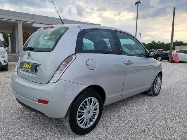Auto - Lancia ypsilon 1.3 mjt 90 cv platino