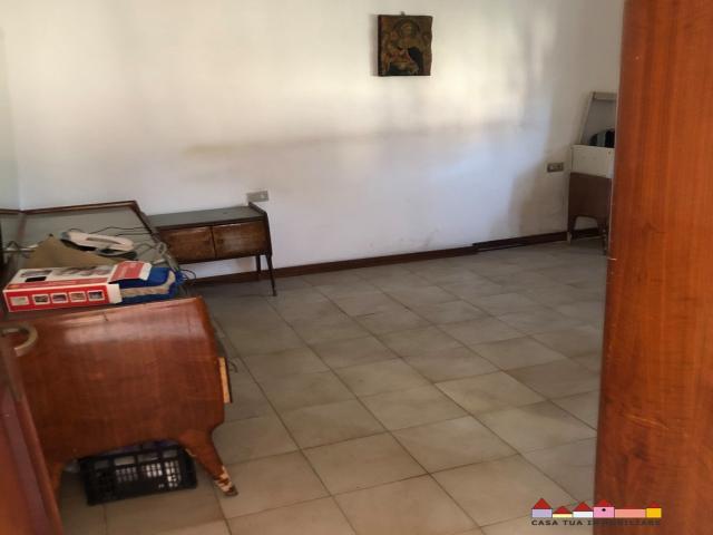 Case - Nazzano casa indipendente con giardino e corte piastrellata