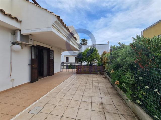Appartamenti in Vendita - Villa in vendita a bisceglie ville mare / via bovio