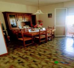Appartamento secondo piano con ascensore, garage e giardino condominiale