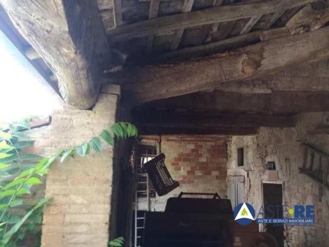 Case - Porzione di fabbricato in corso di costruzione - strada della rovina 53 - localita' la rovina