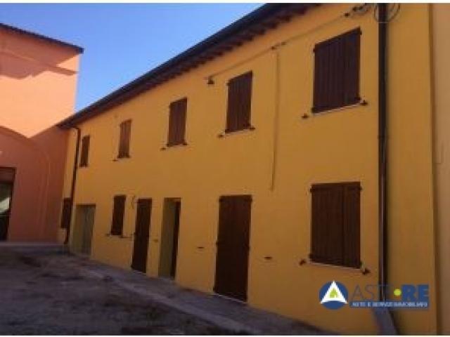 Case - Abitazione di tipo economico - via villafranca n. 23