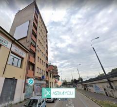 Case - Appartamento all'asta in viale cassala 9, milano (mi)