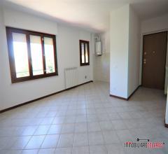 Appartamento con ampio lastrico solare