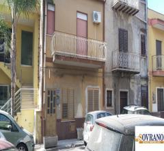 Villagrazia di carini: intera palazzina su 3 livelli con spazio esterno e terrazzo