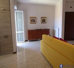 Case - Appartamento ristrutturato e con garage marina di carrara rif 3748