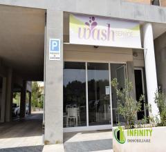 Attività di lavanderia self service - zona centrale -