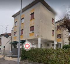 Appartamento - via lucania 30