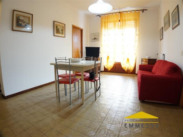 Case - Ronchi : appartamento 200mt mare