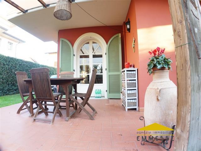 Case - Cinquale - villa in vendita di recente costruzione