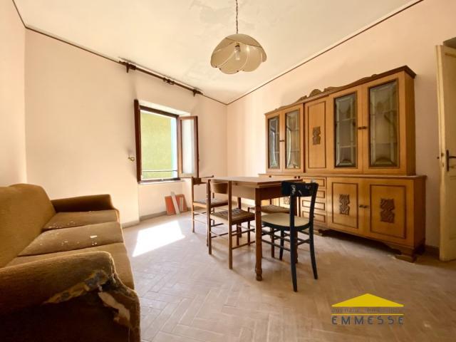 Appartamento da ristrutturare in vendita a massa
