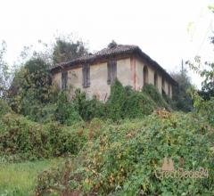 Casa colonica di due piani con annessi magazzini - via altinia, 11 bonisiolo - mogliano veneto (tv)