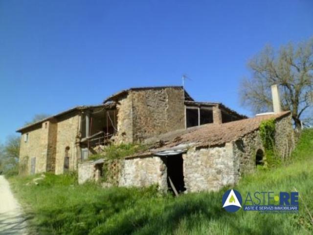 Case - Fabbricato rurale - frazione lamole,  via lamole 40