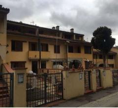Case - Villetta a schiera - via di croce a balatro 30/15