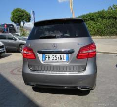 Auto - Mercedes-benz b 200 d automatic 4matic sport