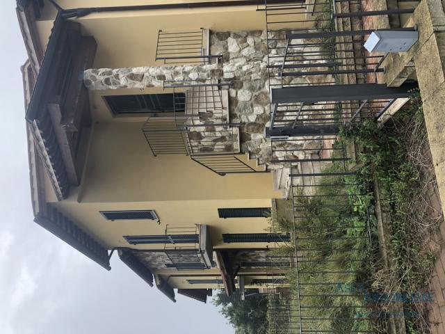 Case - Villetta a schiera - via della madonnina - torrita di siena