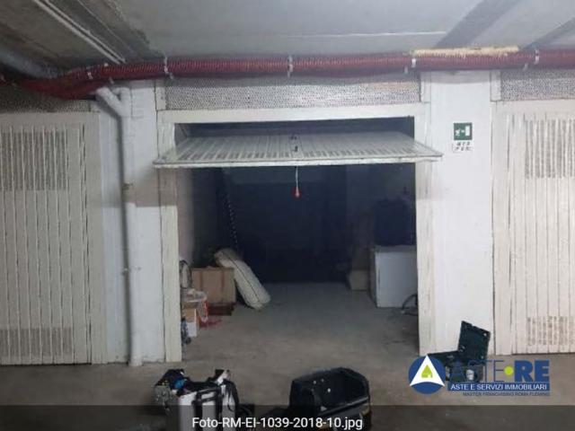 Case - Garage o autorimessa - via agostino scali n. 120/122 - 00123