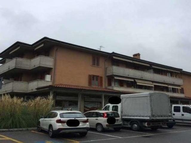 Case - Magazzini e locali di deposito - via biffi 3