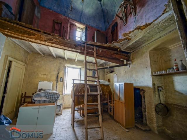 Case - Porzione di casa rustica in abbadia lariana