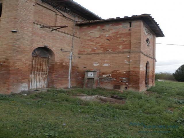 Case - Magazzini e locali di deposito - loc. curiano - monteroni d'arbia (si)