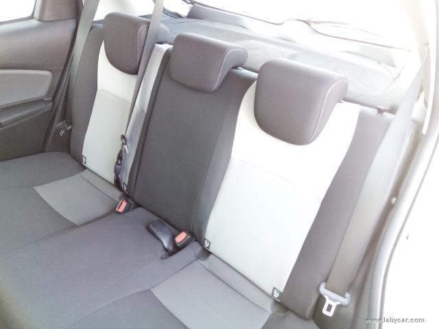 Auto - Toyota yaris 1.5 hybrid 5p. active