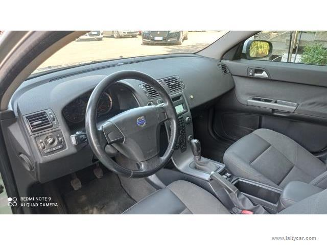 Auto - Volvo v50 2.0 kinetic
