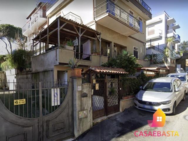 Case - Abitazione di tipo civile - salita di castel giubileo 62 - 00138