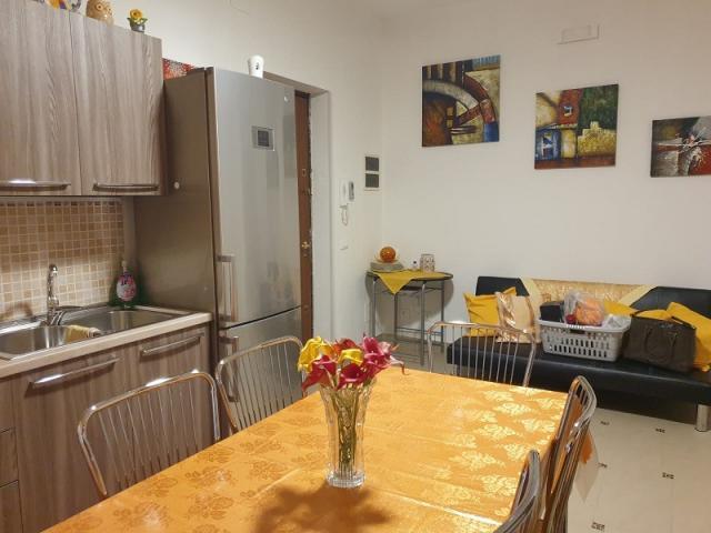Case - Residenziale - vendita appartamento- via oreto