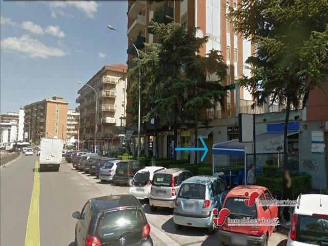 Case - Palermo locale commerciale zona l. da vinci